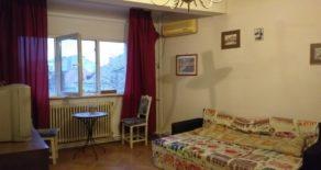 Dacia – Toamnei, 3 camere + hol locuibil, in bloculet, 2 bai, mobilat si utilat